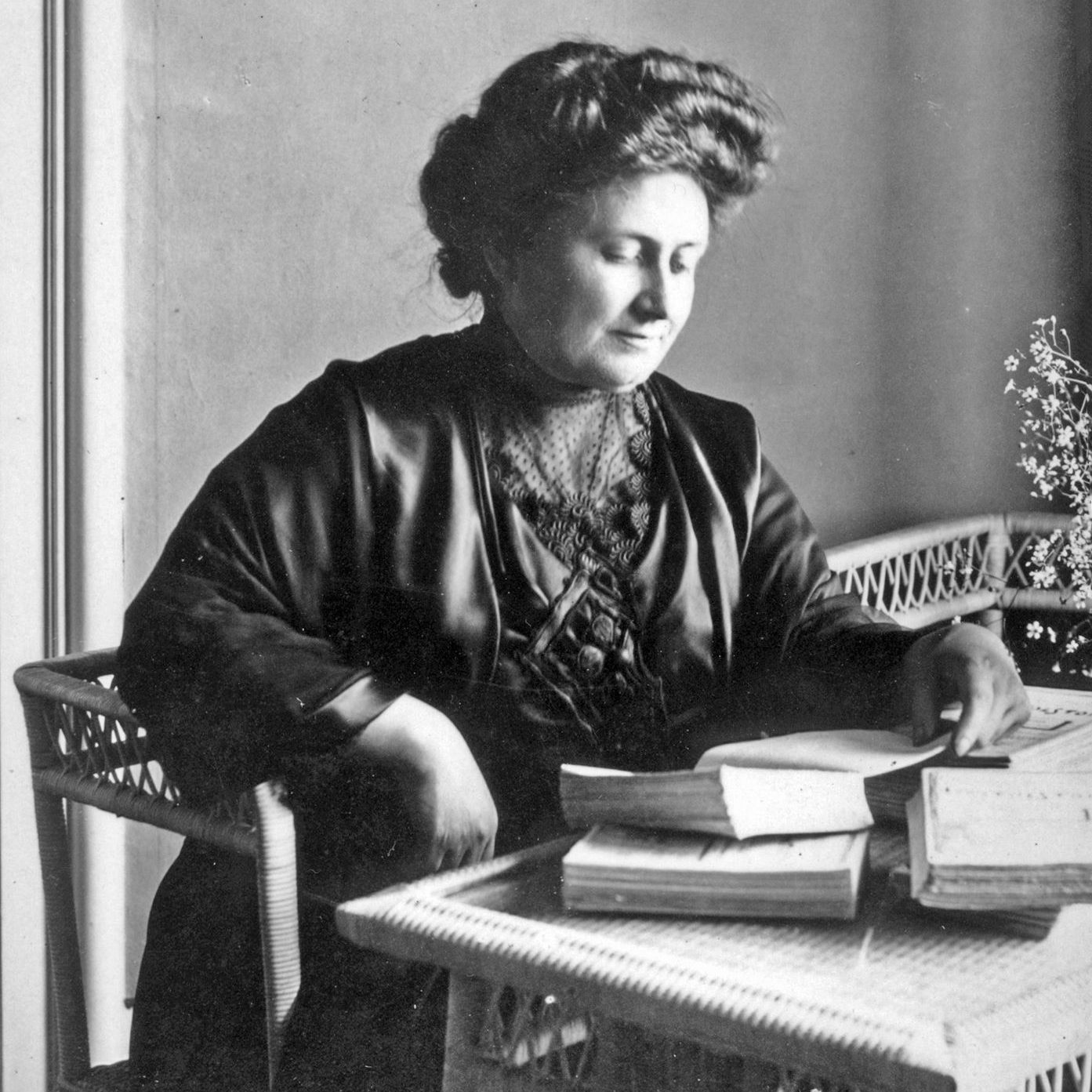 a description of maria montessori born in the village of charaville italy Alternative education of the oldest and well know alternative education out there montessori schools were started by dr maria montessori, she was born in chiaravalle, italy in 1870.